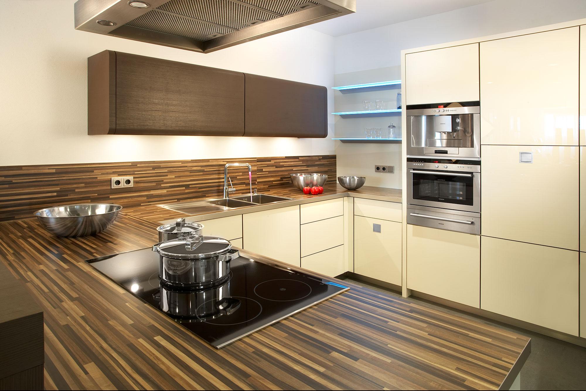 magnolie k chen zu fabrikpreisen bis zu 50 g nstiger. Black Bedroom Furniture Sets. Home Design Ideas