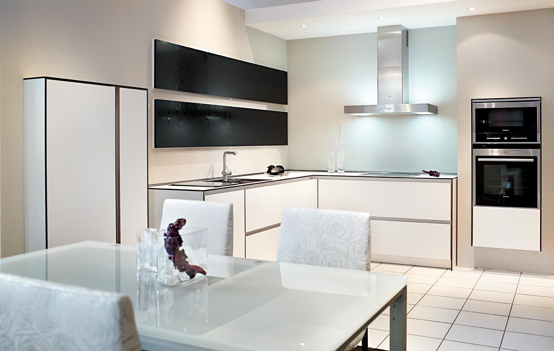 familienk che mit profis planen wir liefern auf die balearen. Black Bedroom Furniture Sets. Home Design Ideas