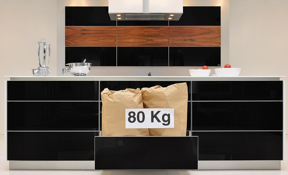 schwarze k chen f r mallorca planen und kaufen 50 g nstiger. Black Bedroom Furniture Sets. Home Design Ideas