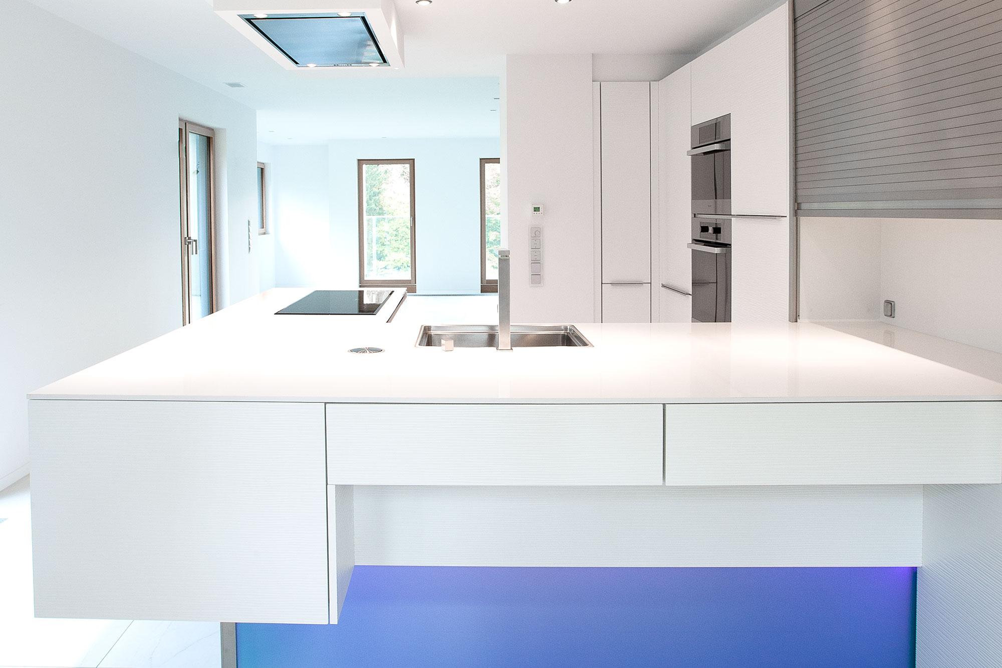 k chen in jeder beliebigen ral farbe zu fabrikpreisen. Black Bedroom Furniture Sets. Home Design Ideas