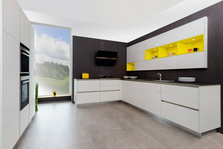 gelbe k chen zu fabrikpreisen bis zu 50 g nstiger. Black Bedroom Furniture Sets. Home Design Ideas