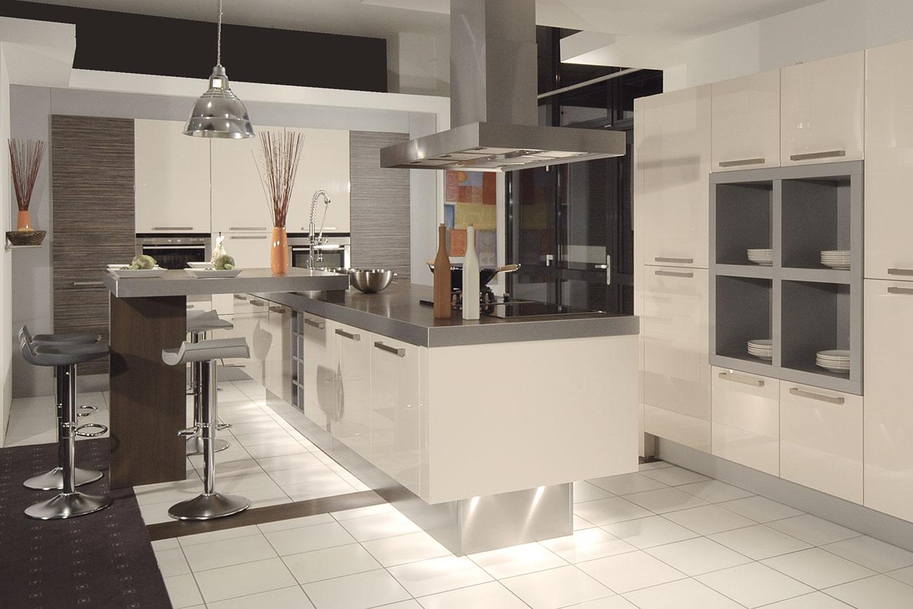 Wir planen ihre inselkuche und montieren auf mallorca ibiza for Küchen ab werk